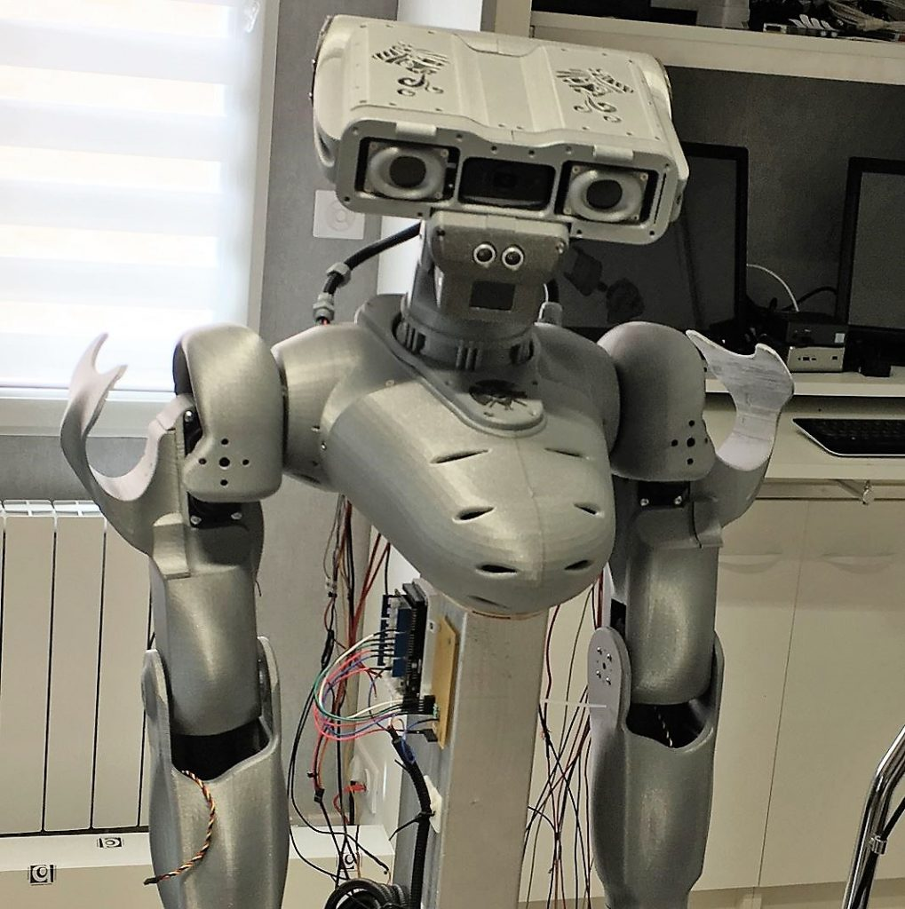 Le robot Maya ; Ce projet demande de la persévérance
